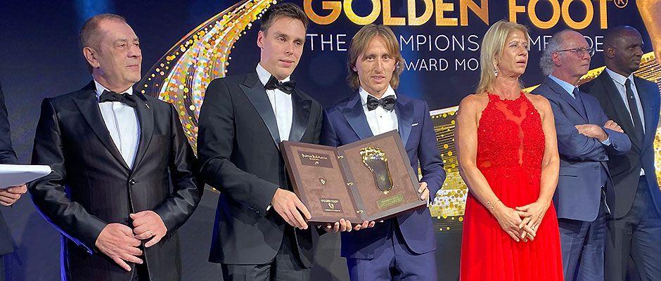 莫德里奇获得2019年金足奖